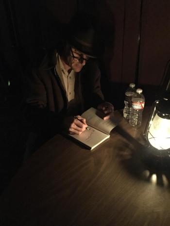 lamp light signing